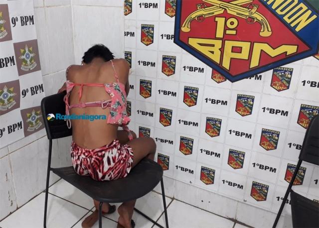 Travesti violento é preso após agredir e tentar roubar celular de estudante