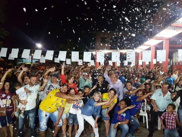 Ivonete Gomes encerra campanha com grande reunião e carreata em Porto Velho