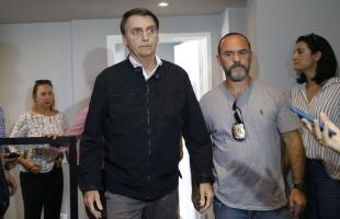 Bolsonaro firma compromisso em defesa da família