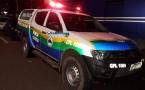 Bando armado sequestra jovem e o abandona em porta-malas de carro na Capital