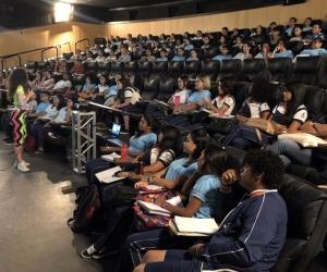 Cerca de 1,5 mil alunos participam de aulão para revisão de conteúdo do Enem