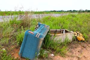 Despejar lixo às margens de rodovias pode gerar multa de até R$ 200 mil