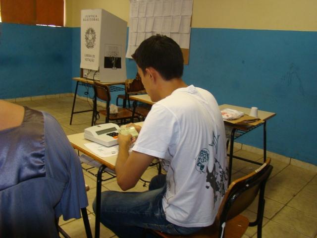 Mais um mesário sofre infarto e morre durante eleição no Rio