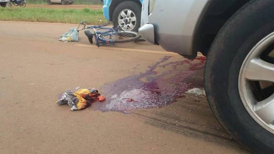 Idoso morre ao ser atropelado por dois veículos em rodovia federal; um dos motoristas foge