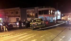 Viatura da PRF colide com carro ao seguir para ocorrência de incêndio em ônibus