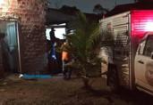 Criminosos invadem casa e matam homem na cama; mulher foi ferida gravemente