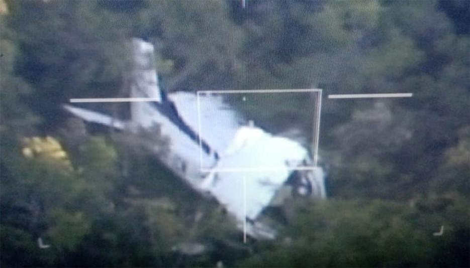 Pilotos que caíram com avião em Mato Grosso passam por cirurgia; 27 militares participaram de resgate
