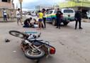 Motociclista fica ferido e com suspeita de fratura após colisão com carro na Capital