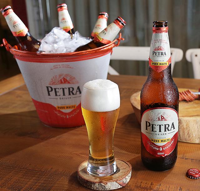 Resultado de imagem para cerveja petra puro malte