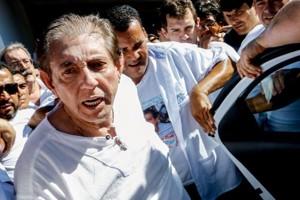 Acusado de abusos sexuais, médium João de Deus se entrega à polícia em Goiás