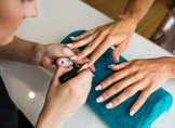 Dez vagas para manicure estão entre as mais de 40 oportunidades de emprego em oferta no Sine