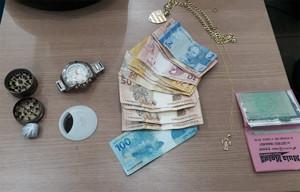 Foragido é preso suspeito de roubar clientes nas proximidades de banco