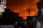 Vídeo: Incêndio destrói 600 casas em Manaus