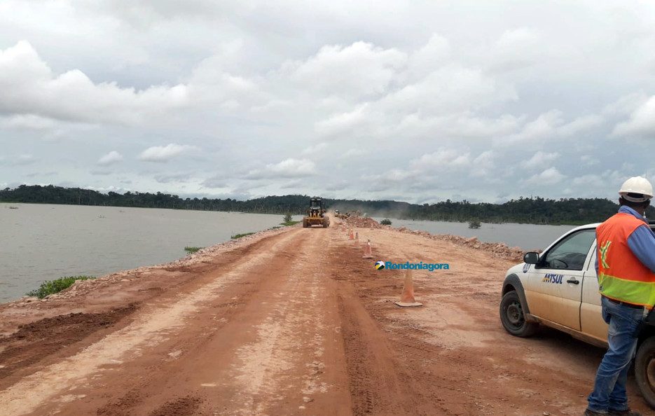 Elevação da BR-364 entre Rondônia e Acre será concluída em abril; Trânsito segue controlado
