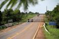 Criminosos atacam carro-forte a tiros na BR-319