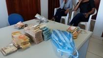 PRF flagra bolivianas com mais de R$ 110 mil em táxi na BR-364