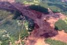 Bombeiros estimam que há cerca 200 desaparecidos após barragem se romper em Minas