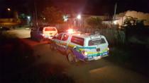Homem escapa da morte após ter o carro atingido por tiro