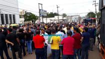 Acompanhe ao vivo a manifestação contra o aumento de energia em Rondônia