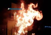 Vídeo: Loja de tintas é destruída pelo fogo na Capital