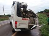 Paciente com AVC morre após capotamento de ambulância na BR-364