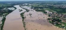 Quase 60 famílias são retiradas de casa por causa da cheia do Rio Machado, em Ji-Paraná