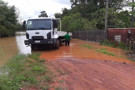 RO-010 fica interditada após Rio Jatuarana transbordar na região de Cacoal