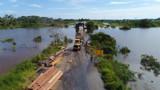 Vídeo: Trânsito é liberado na BR-425 após elevação da ponte sobre o Rio Araras
