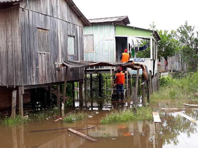Associação e Defesa Civil arrecadam donativos para desabrigados pelas enchentes em Rondônia