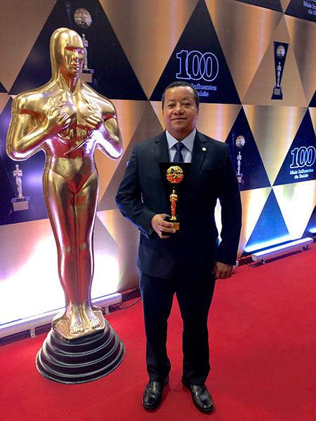 """Presidente do Cofen conquista prêmio """"100 mais influentes da Saúde"""""""