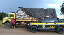 PRF apreende 368 sacas de carvão transportados de forma ilegal