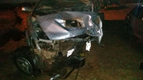 Colisão entre três veículos mata pai e filho e deixa feridos na BR-364