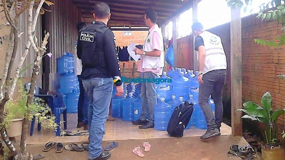 Vigilância Sanitária e Delegacia do Consumidor descobrem água de poço sendo vendida como mineral