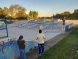 Prefeito assina ordem de serviço para retomada de obras no Skate Park