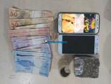 Irmãos são flagrados vendendo droga no Orgulho do Madeira