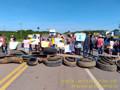 Moradores fecham BR-425 em protesto a falta de transporte escolar e péssimas condições de estradas vicinais