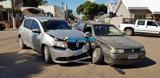 Idosa fica ferida em colisão entre carros em cruzamento da Duque de Caxias