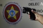 Arma encontrada no quarto de filho de deputada foi usada para matar o pai
