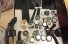 Polícia cumpre mandado por suspeita de tráfico e prende homem armado