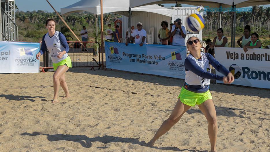 Duplas femininas abrem disputas do vôlei no Festival de Praia de Jaci-Paraná