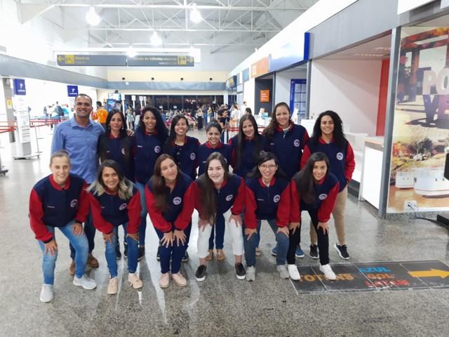 Equipe Universitária de Futsal Feminino recebe apoio do Deputado Alex Silva