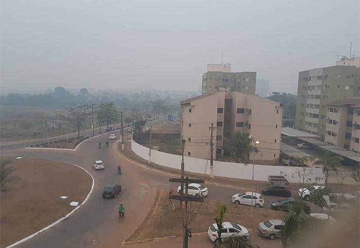 Fumaça em Rondônia faz Azul cancelar voo; Latam transfere outro