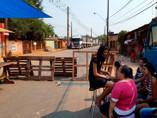 Moradores interditam Estrada do Belmont em protesto pelo asfalto, que nunca chega