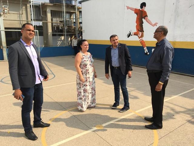 Deputado Alex Silva destinará emenda de R$ 100 mil para cobertura de quadra poliesportiva da escola Antônio Ferreira