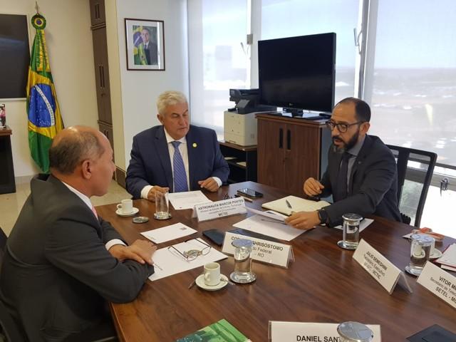 Coronel Chrisóstomo trata com ministro Marcos Pontes sobre expansão da internet na Amazônia