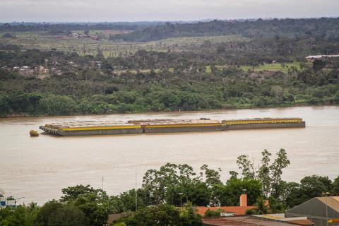 Estiagem dificulta navegação e governo planeja estratégias para aumentar a exportação em Rondônia