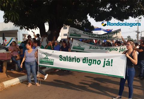 Manifestantes da Saúde decidem aguardar reunião de segunda-feira para decidir sobre greve