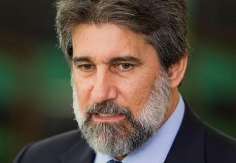 Ministro do STF nega pedido da PF e livra Raupp da prisão