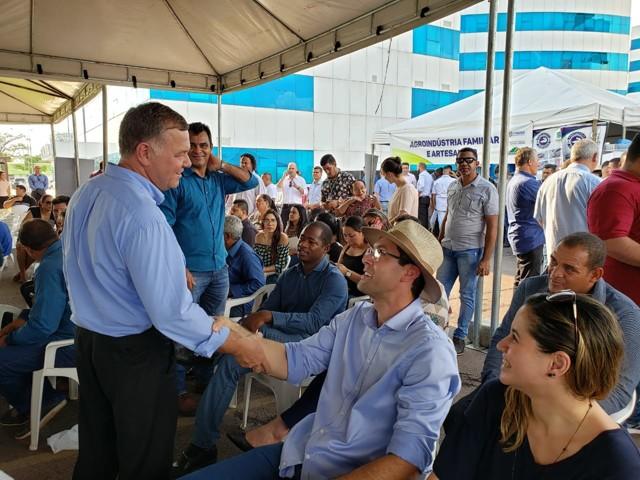 Bancada entrega 321 máquinas e equipamentos ao Governo de Rondônia