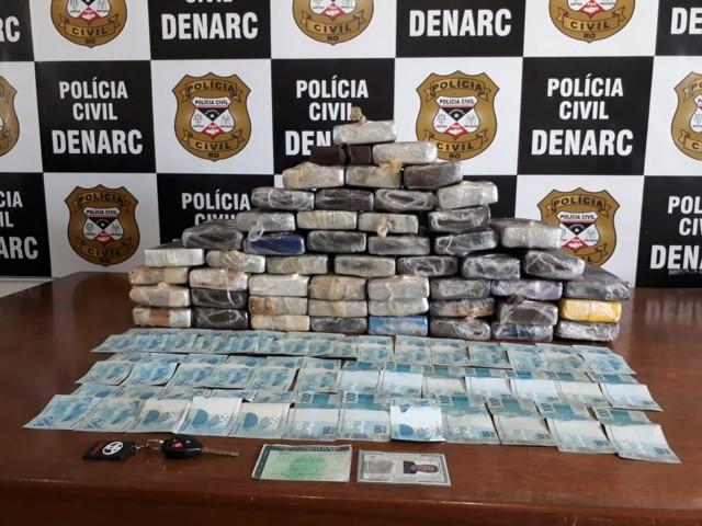 Denarc apreende 55 quilos de cocaína e quase R$ 5 mil em operação